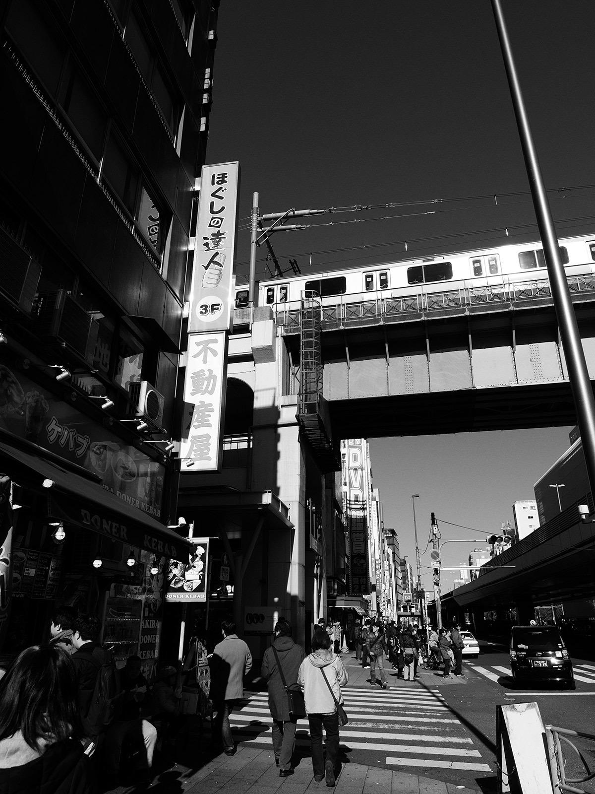 駅周辺_f0121181_01191994.jpg