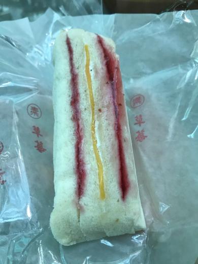 びっくり組み合わせの軽くてかわいいサンドイッチ!「洪瑞珍餅店」(台中)_e0171089_12555844.jpg