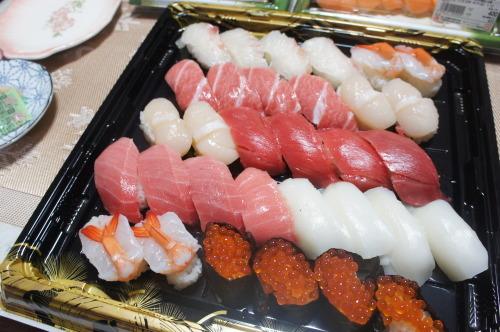 【実家で新年会*お寿司と唐揚げ】_f0215714_16294291.jpg