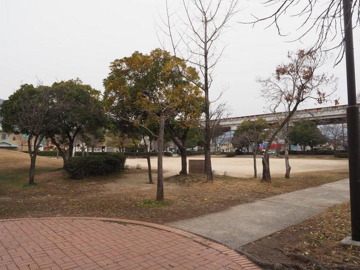 佐伯区民文化センター&五日市中央公園_c0116915_23561261.jpg