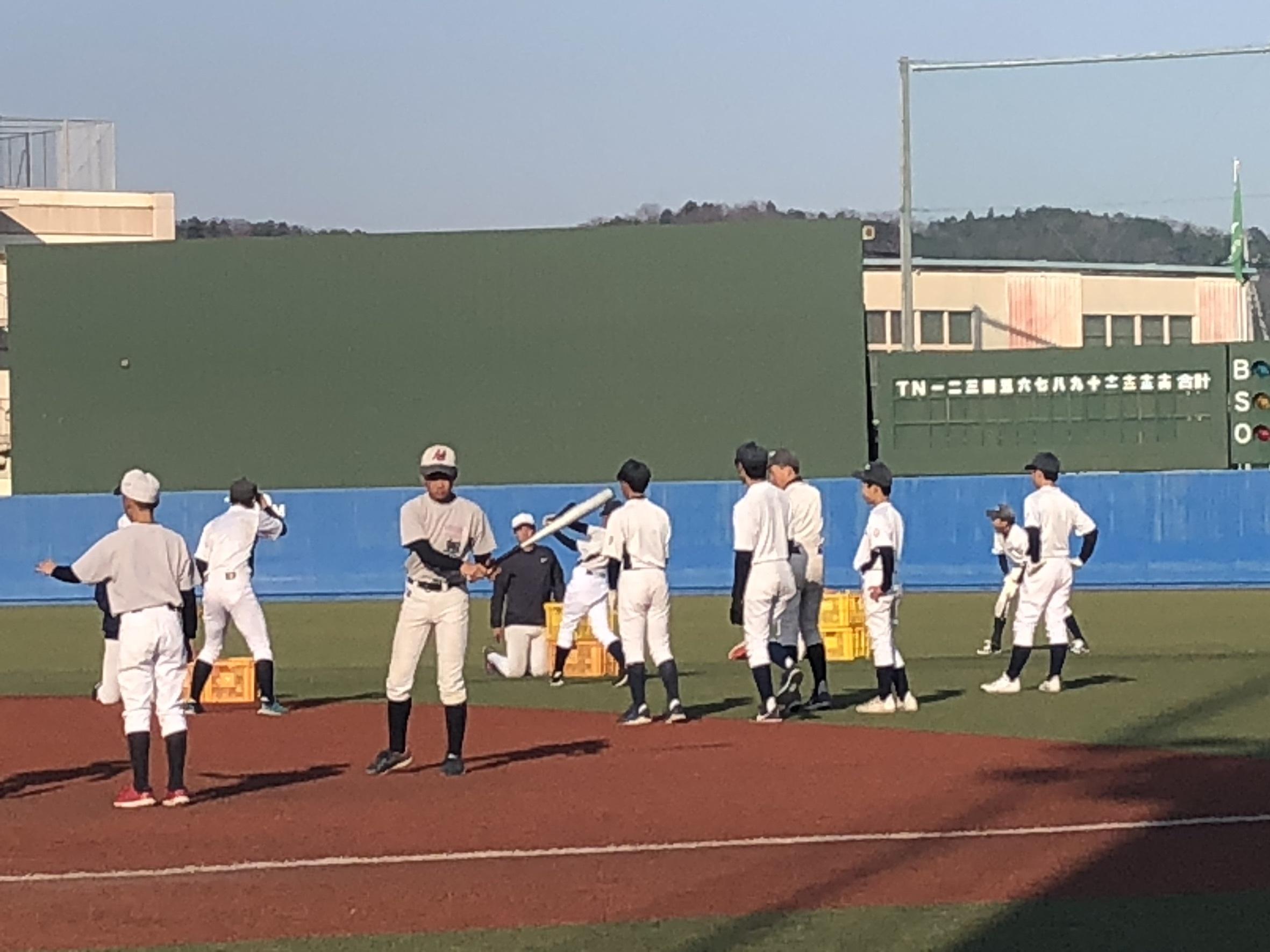 亜細亜大学野球教室_d0262619_00470024.jpg