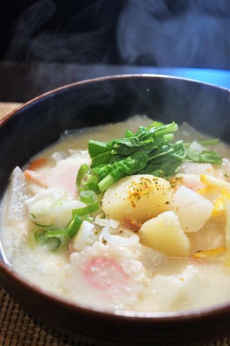 ■ランチスープ【お野菜ゴロゴロの粕汁】味付けは塩のみで旨い!_b0033423_07505233.jpg