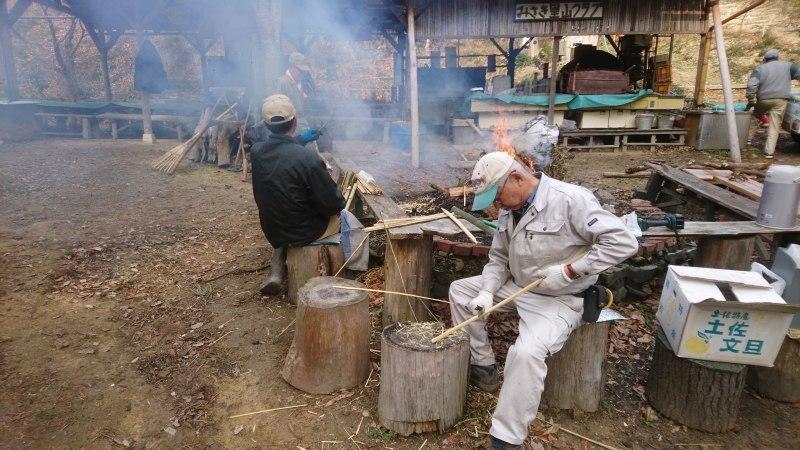 林道の清掃と仕事始め_c0239329_21260912.jpg