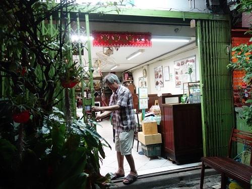 スクムビットソイ20の同利 Thong Lee でガイトート他_c0030645_00185388.jpg