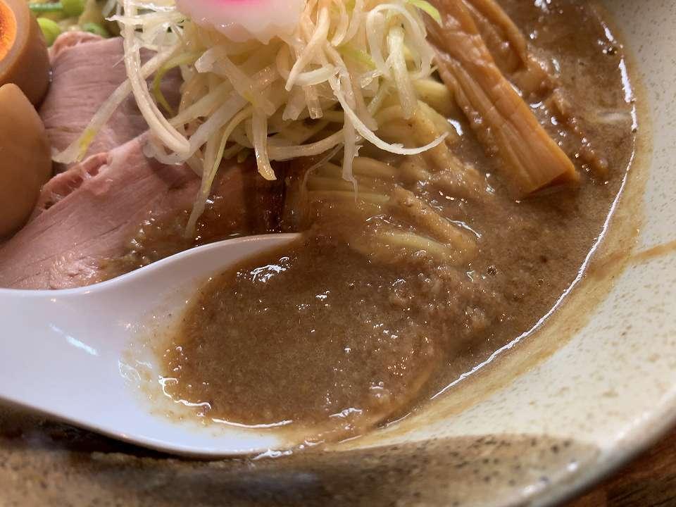 淡路のラーメン「縁乃助商店」_e0173645_20520137.jpg
