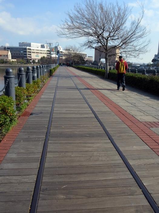 【桜木町駅からアパホテルまでの道のり】てくてくのろり徒歩23分_b0009849_17331309.jpg