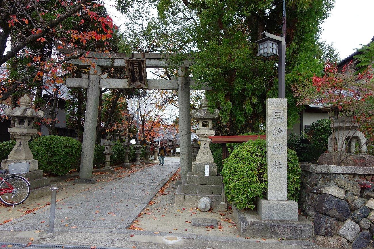 高槻市の三輪神社(その1)_c0112559_08284470.jpg