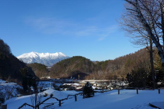 1月14日「朝刊」 残月と御嶽さま_a0130586_09402871.jpg