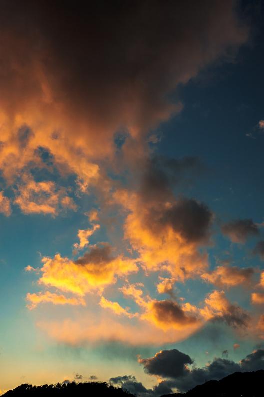 直近の空とちょっとお知らせです_f0189086_17445918.jpg