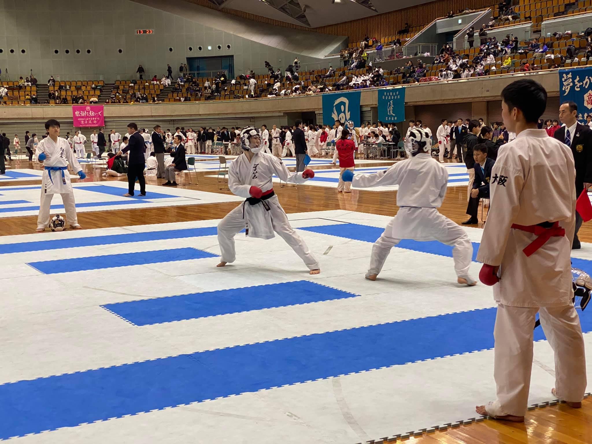 中学女子団体組手で優勝・3位 8th和歌山ビッグホエール大会_e0238098_10220998.jpg