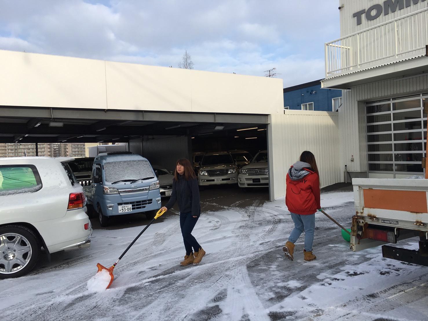 1月15日(水)本店ブログ★ワンオーナーのプラドあります💛エスカレード・ハマー・ランクル_b0127002_17162949.jpg