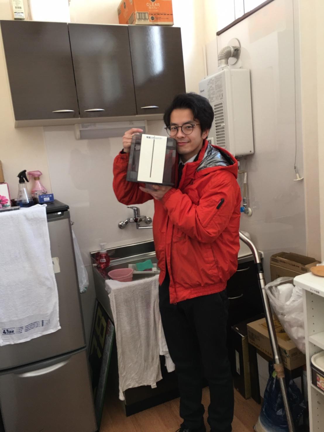 1月15日(水)本店ブログ★ワンオーナーのプラドあります💛エスカレード・ハマー・ランクル_b0127002_18031610.jpg