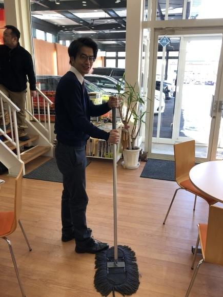 1月15日(水)本店ブログ★ワンオーナーのプラドあります💛エスカレード・ハマー・ランクル_b0127002_18032535.jpg