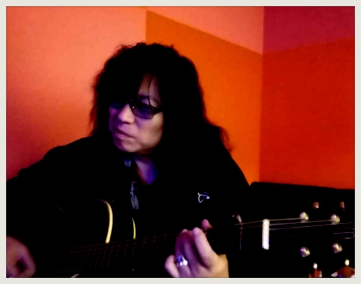 歌ってみた「風のエンブレム」「WHEEL IN THE SKY」!!_b0183113_08492790.jpg