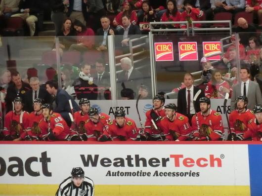NHL観戦中に・・・撃沈しているひと_| ̄|○_e0303431_18114380.jpg