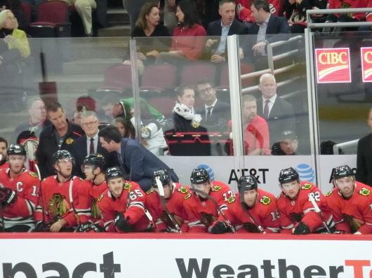 NHL観戦中に・・・撃沈しているひと_| ̄|○_e0303431_18121129.jpg