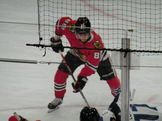 NHL観戦中に・・・撃沈しているひと_| ̄|○_e0303431_18144106.jpg