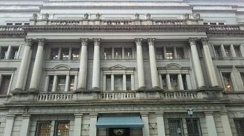銀行の窓 (日本橋 東京)_e0098739_14480077.jpg