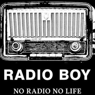No Radio, No Life. 本当の幸せを壊れかけのラジオは知っていた。_c0109850_13021809.jpg