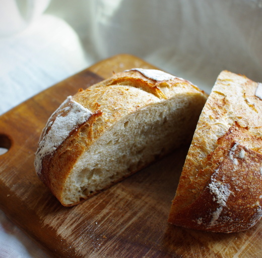 ライ麦10%のカンパーニュと、久しぶりの積雪_c0110869_13094256.jpg