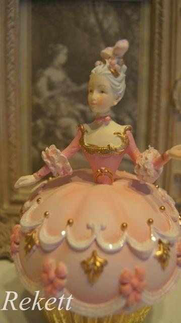 パステルカラーのデコレーションカップケーキレディー小物入れ再入荷致しました~❤_f0029571_16382546.jpg