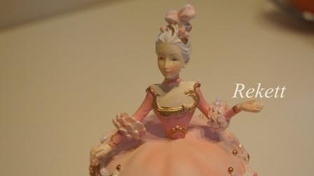 パステルカラーのデコレーションカップケーキレディー小物入れ再入荷致しました~❤_f0029571_16473227.jpg