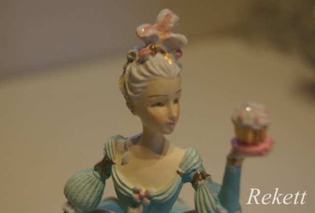 パステルカラーのデコレーションカップケーキレディー小物入れ再入荷致しました~❤_f0029571_16543225.jpg