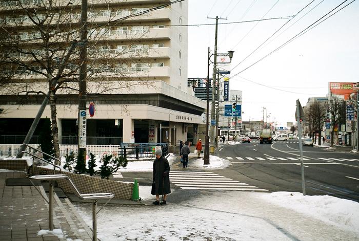 乾いた道路と雪靴のダンピング_c0182775_16512665.jpg