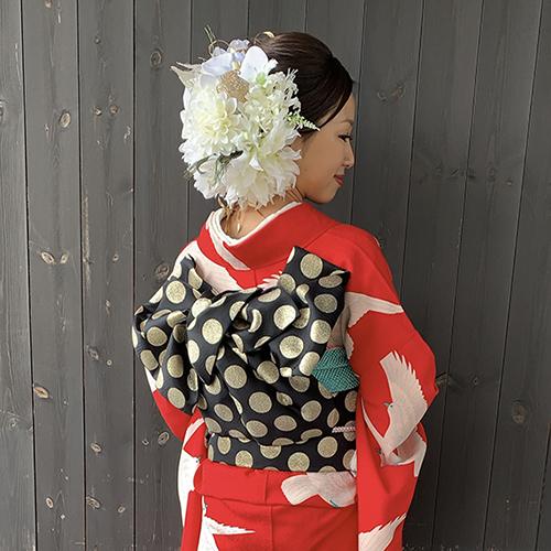 ③成人式のお客様 華やか赤地白鳩の着こなし_b0098077_18490002.jpg