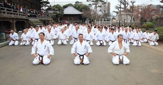 2020年大山倍達総裁が眠る、文京区護国寺での墓前稽古会が無事に終わりました。_c0186691_09370537.jpg