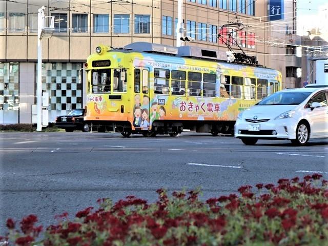 高知の街を走る路面電車、いろんな路面電車にびっくり、可愛い高知の路面電車と観光巡り_d0181492_00224061.jpg