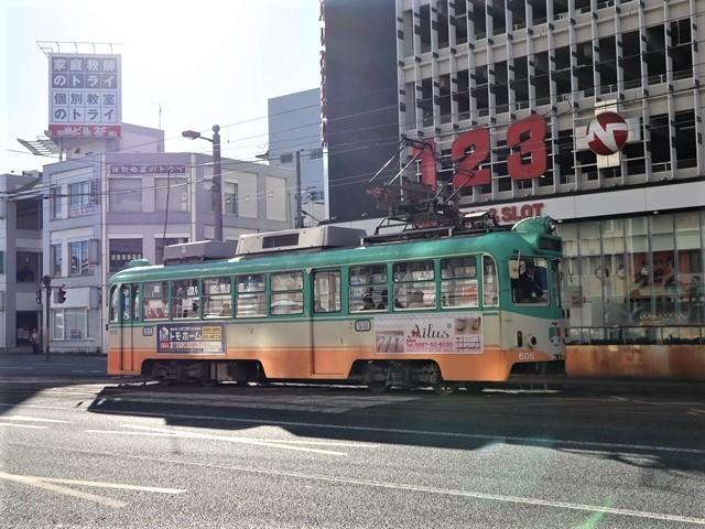 高知の街を走る路面電車、いろんな路面電車にびっくり、可愛い高知の路面電車と観光巡り_d0181492_00224901.jpg