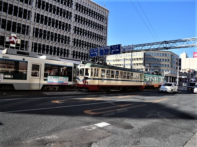 高知の街を走る路面電車、いろんな路面電車にびっくり、可愛い高知の路面電車と観光巡り_d0181492_00231624.jpg