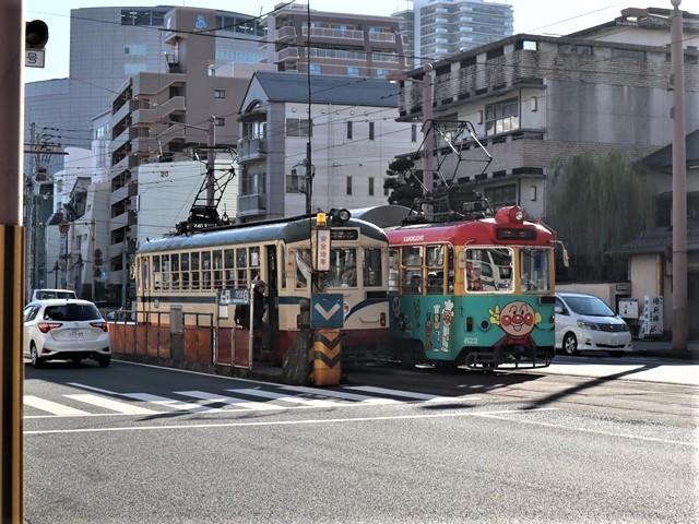 高知の街を走る路面電車、いろんな路面電車にびっくり、可愛い高知の路面電車と観光巡り_d0181492_00232429.jpg