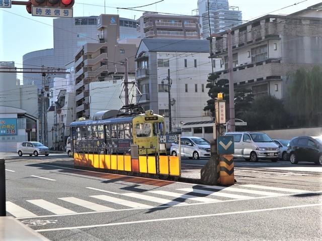 高知の街を走る路面電車、いろんな路面電車にびっくり、可愛い高知の路面電車と観光巡り_d0181492_00244863.jpg