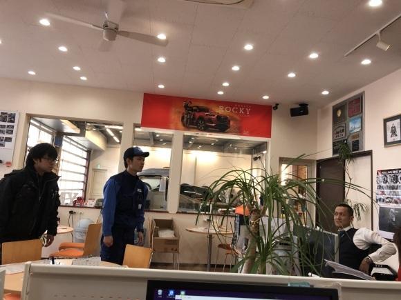 1月16日(木)本店ブログ☆彡S63ベンツ✊ありますよ♪ ランクル ハマー アルファード♪ _b0127002_19205584.jpg