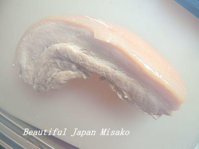 皮つきの豚バラの塊を見つけた~!!!・゚☆、・:`☆・・゚・゚☆。_c0067206_11283393.jpg