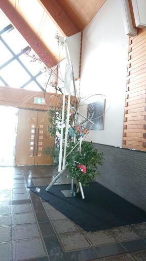 五戸町図書館正月花 ビフォー&アフター_c0165824_21362870.jpg