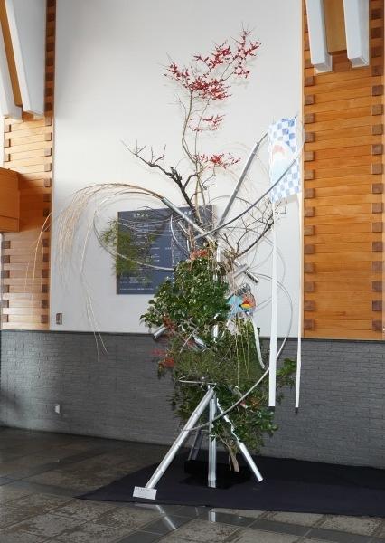五戸町図書館正月花 ビフォー&アフター_c0165824_21430243.jpg