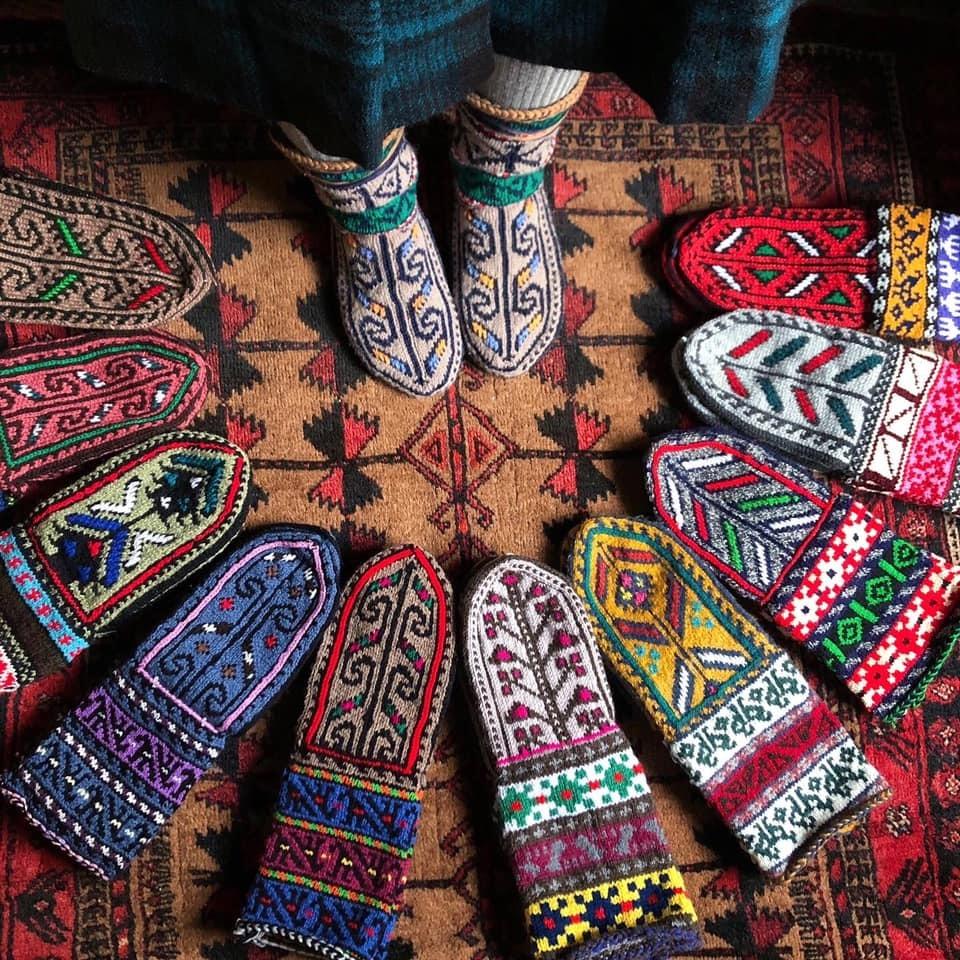 冬の愉しみ イランの靴下とダーニング展_d0156336_19543537.jpg