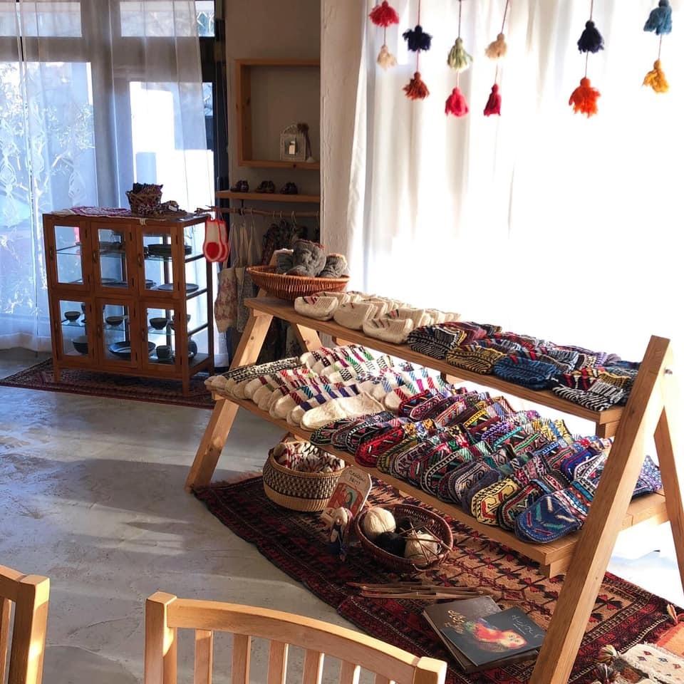 冬の愉しみ イランの靴下とダーニング展_d0156336_19555409.jpg