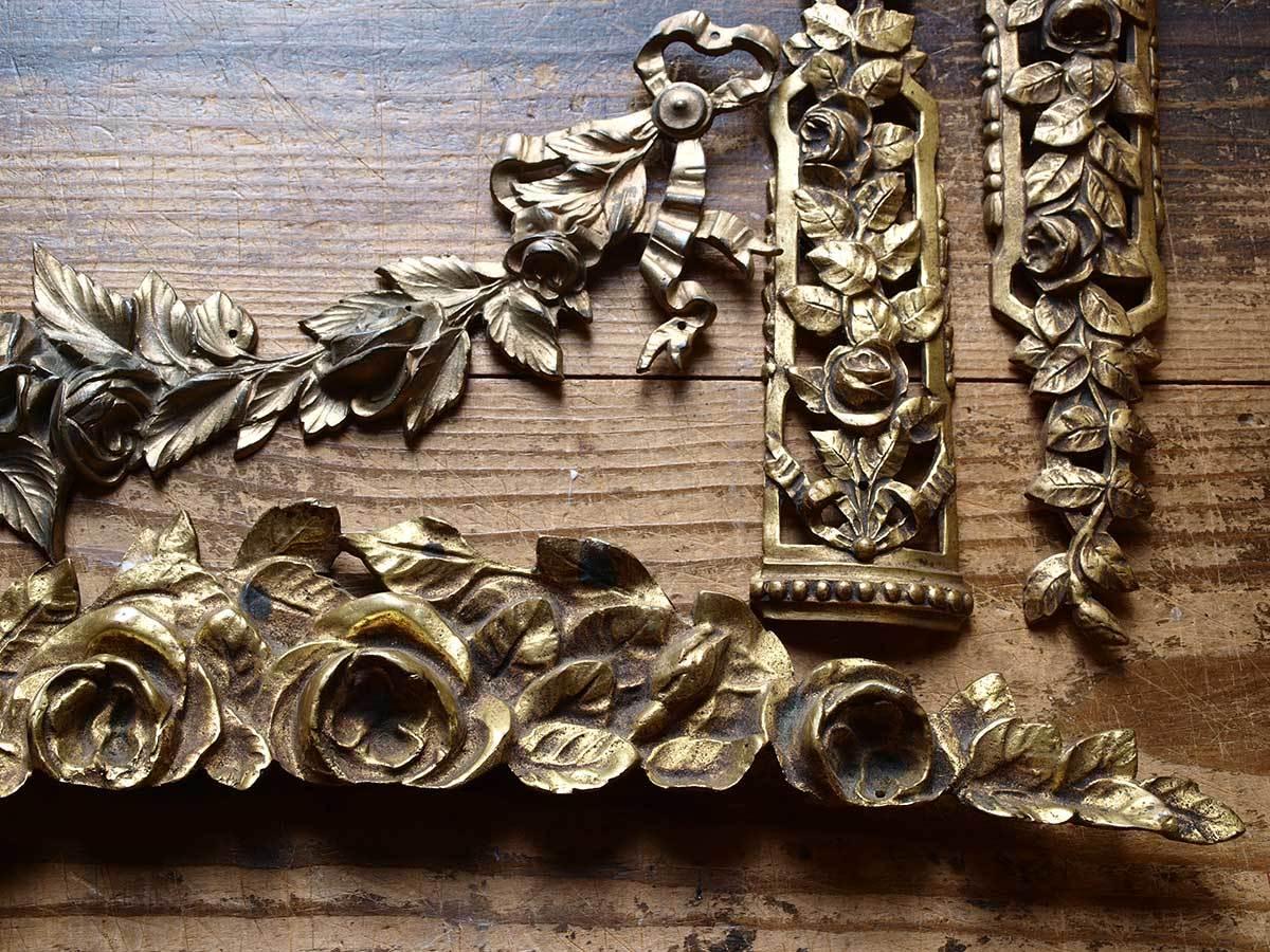 真鍮家具部品 4点 オーナメント 花綱装飾  /G836_e0324838_02423015.jpg