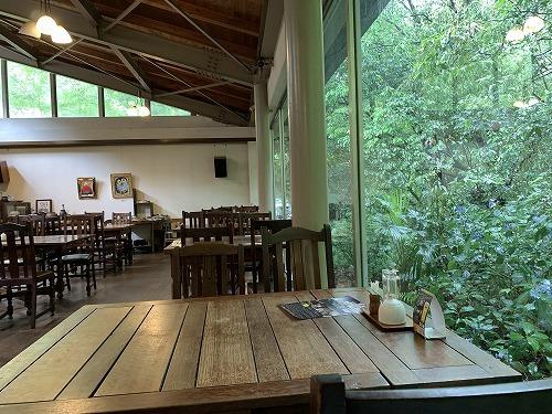 森の中のカフェ_c0327752_14305328.jpg