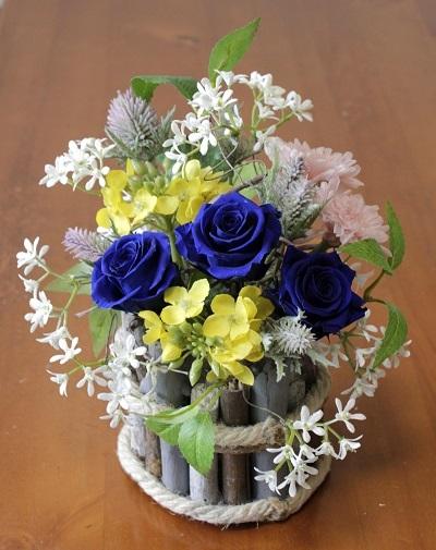 バラの色を変えると雰囲気も変わる_e0118654_15555521.jpg