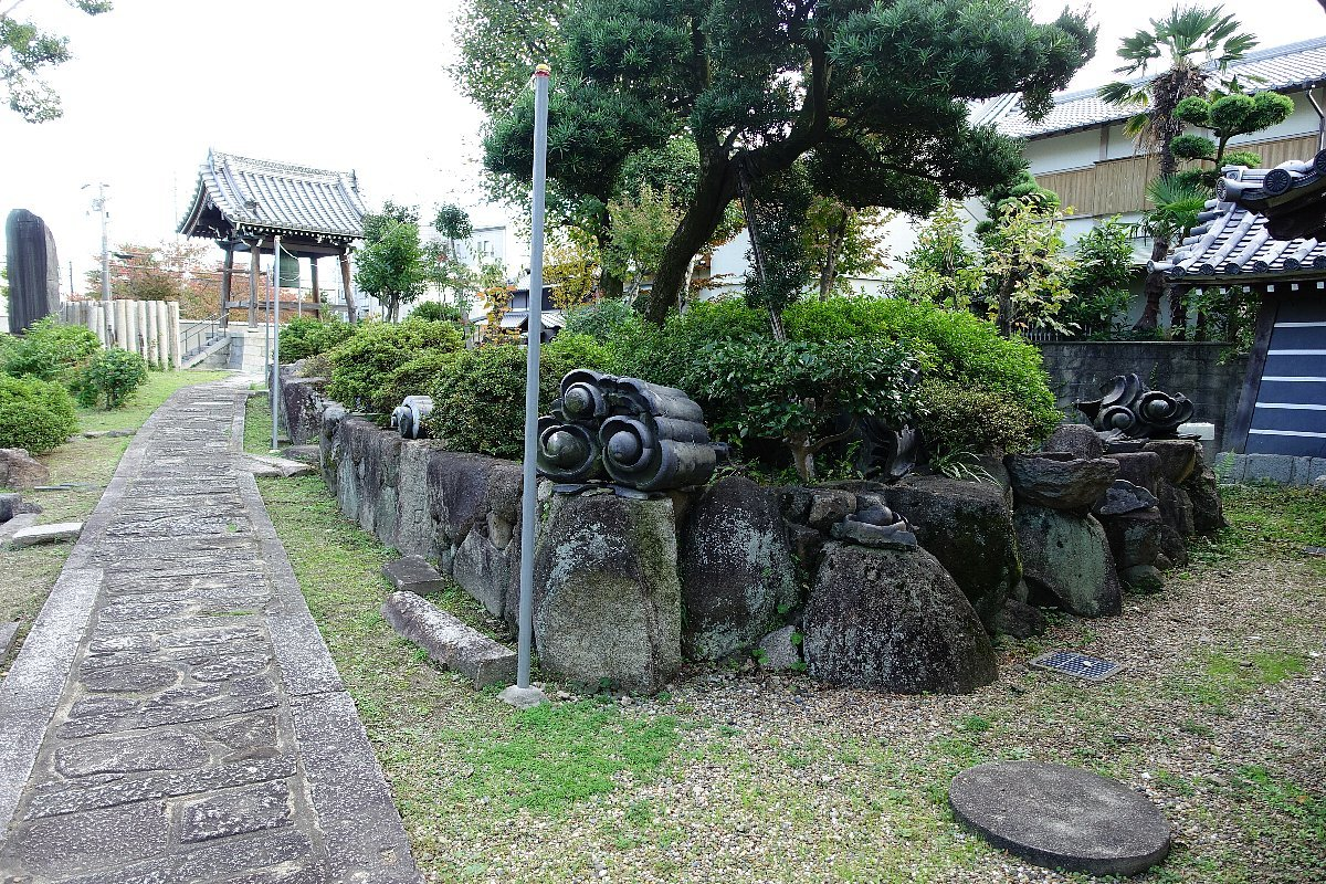 富田御坊 本照寺庭園_c0112559_08181847.jpg