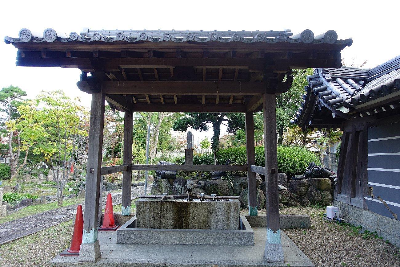 富田御坊 本照寺庭園_c0112559_08195226.jpg