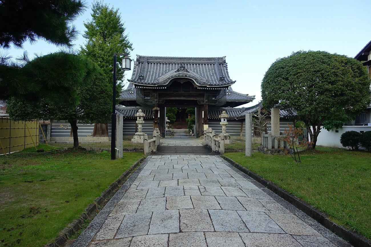 富田御坊 本照寺庭園_c0112559_08205806.jpg