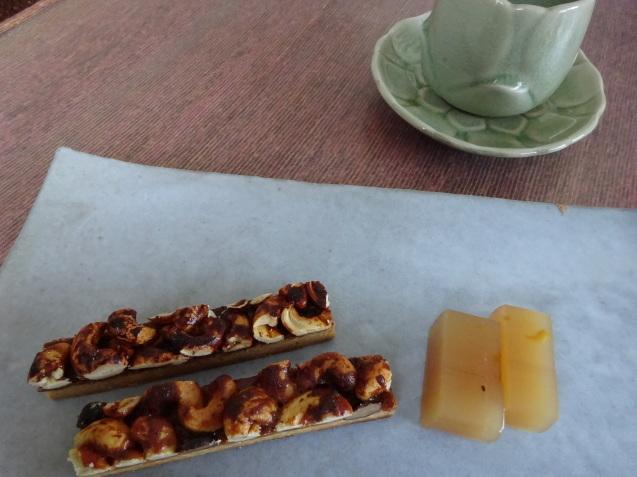 大阪に行ってきました ~ お土産は「菓菓かはん」_b0405262_15040475.jpg