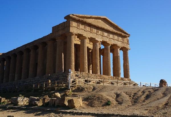 シチリア島の都市 アグリジェント_e0365880_23145018.jpg