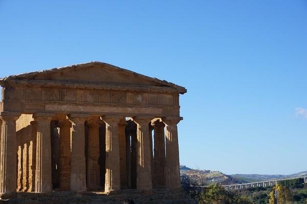 シチリア島の都市 アグリジェント_e0365880_23150417.jpg